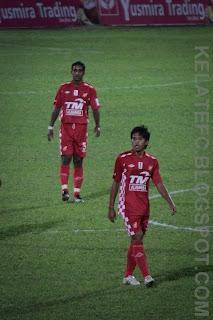 ... The Red Warriors: Gambar-gambar sekitar perlawanan Kelantan vs Johor