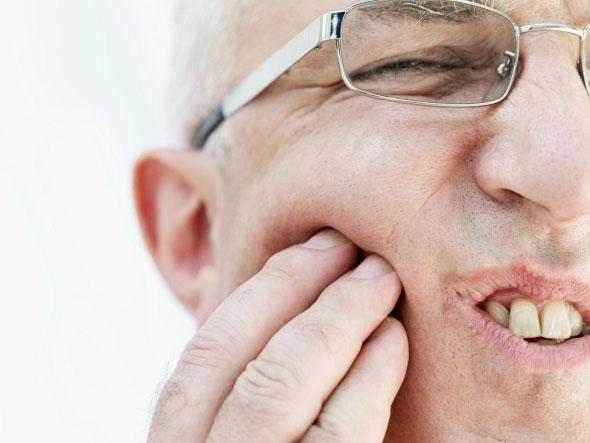 Ini Dia Hal-hal Yang Menyebabkan Gigi Kita Berlubang