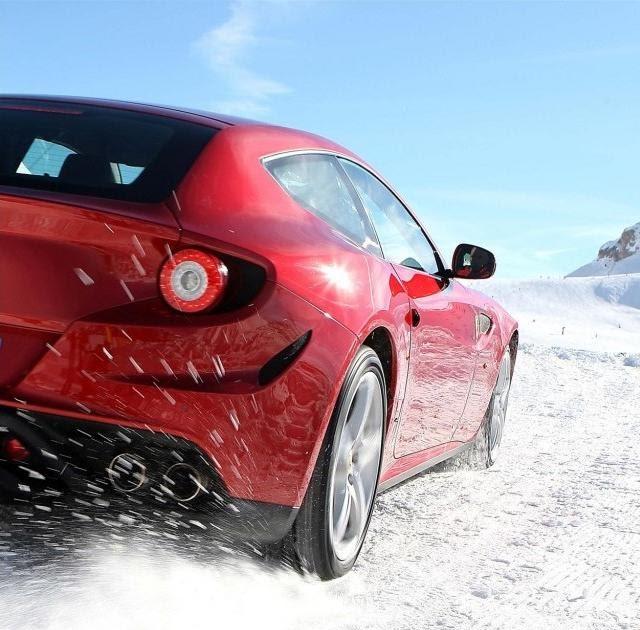 Nova Ferrari FF 2012 Em Imagens Na Neve