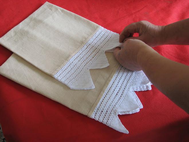 asciugamano in puro lino ricamato a mano