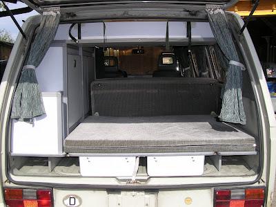 syncro tour mobil einbau der carthago malibu hit ii ausstattung. Black Bedroom Furniture Sets. Home Design Ideas
