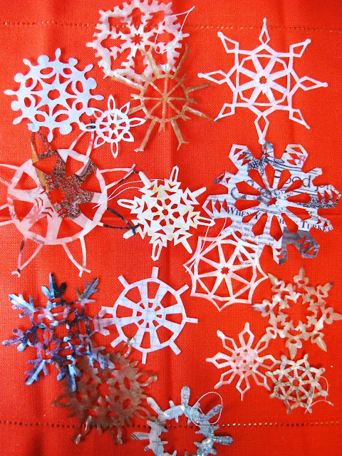 diy, craft, snowflakes, paper, seattle, lifestyle, holiday, fleur d'elise, recycle