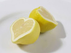 preparan la limonada: