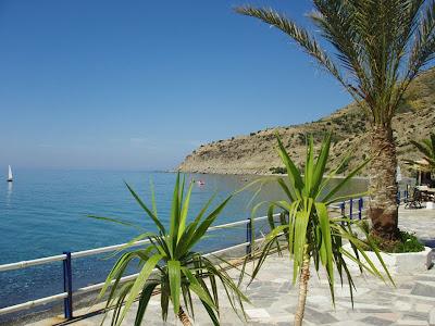 η παραλία στο Μύρτος - http://myrtos.deviantart.com