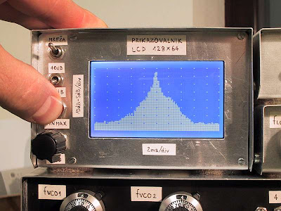 PIC LCD Oscilloscope for Spectrum Analyzers