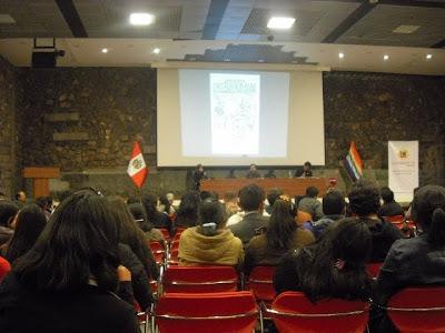 """Mesa """"Historiografía garcilasista: fuentes"""", donde hubo gran polémica por la autenticidad de los Manuscritos Miccinelli"""