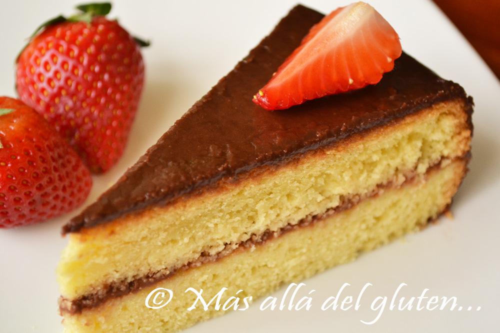 M s all del gluten torta de cumplea os sencilla con for Decoracion de tortas caseras