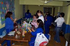 Toda a turma do Colégio Menino Jesus fazendo arte e reciclando!