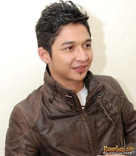 """http://ter-paling.blogspot.com/2012/02/100-nama-asli-artis-indonesia-ternyata.html"""""""