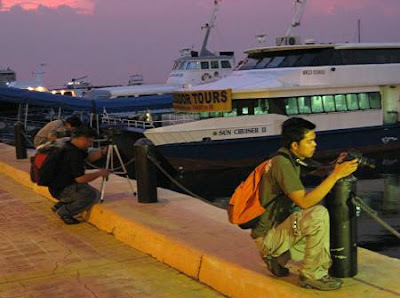 photographers along Manila Bay