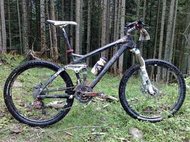 http://4.bp.blogspot.com/_CAXB2T0FEzk/SmSlvB7N2pI/AAAAAAAACi0/s0lW8lKom78/s400/1248083751718-trek+fuel+9.9.jpg