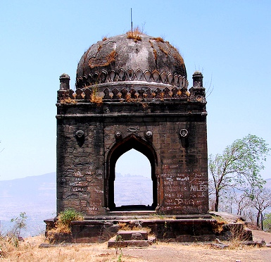 Shivneri Killa http://travelogueunlimited.blogspot.com/2010/11/visit-to-fort-shivneri-photo-travelogue.html