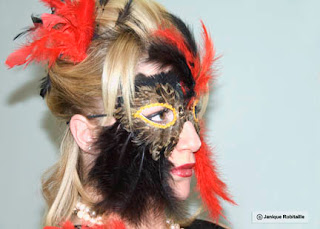 photo de l'halloween portrait femme masque