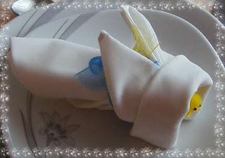 Pliage de serviette en forme de lapin tout en photos recettes et d coration - Pliage de serviette lapin ...