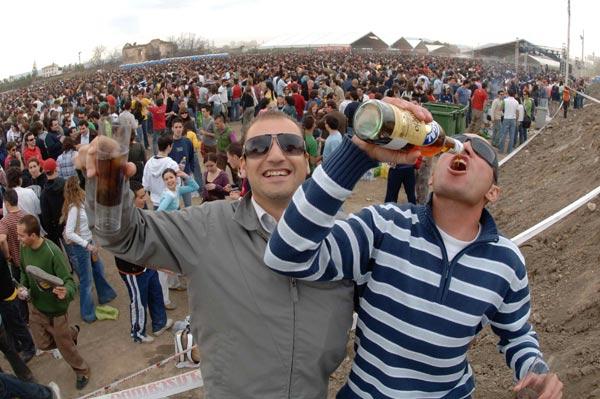 Adolescente borracho atropelló a un policía - Canal 13