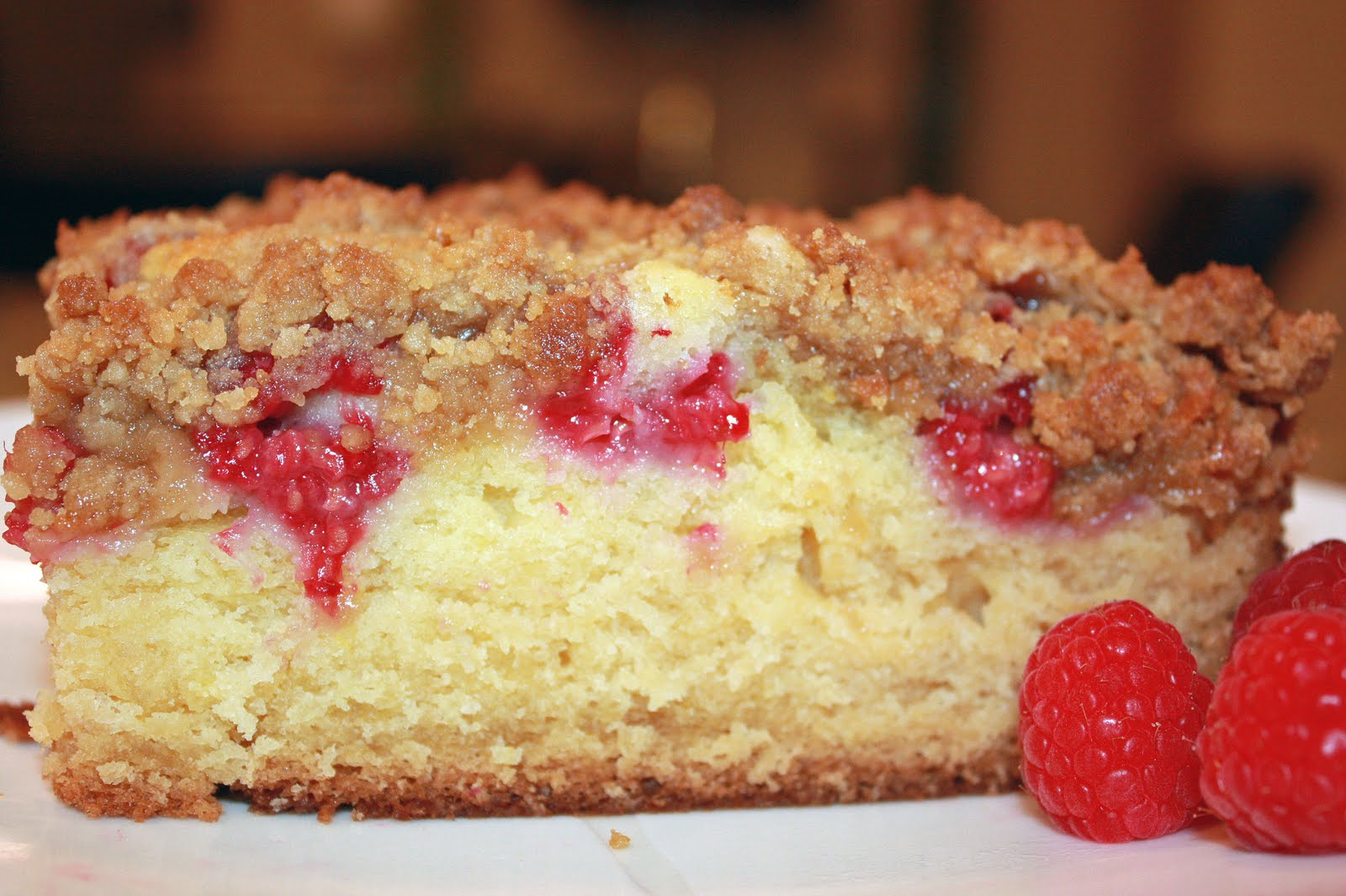 ... Bitefuls: Raspberry Buttermilk Crumb Cake with Lemon Crumbles