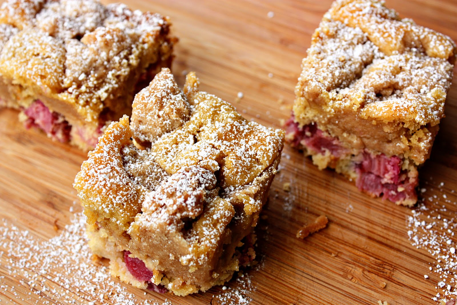 Delightful Bitefuls: Rhubarb 'Big Crumb' Coffee Cake