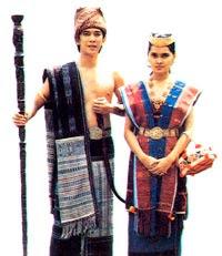 adat batak Pakaian Tradisional Nusantara II (Sumatera)