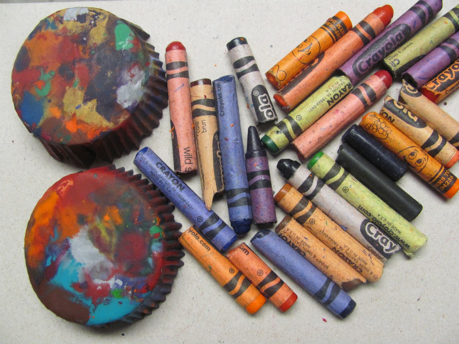 Colormehappy color me happy a green recycling art project - Recycled can art projects ...