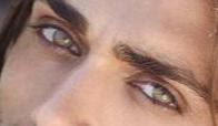 Estoy enamorada de tus Ojos. Poema romántico los ojos de mi amado, de mi enamorado, como son tus ojos, tus bellos ojos, tus tiernos ojos, estoy enamorada de tus ojos. Frases románticas para mi novio, novia, enamorado.