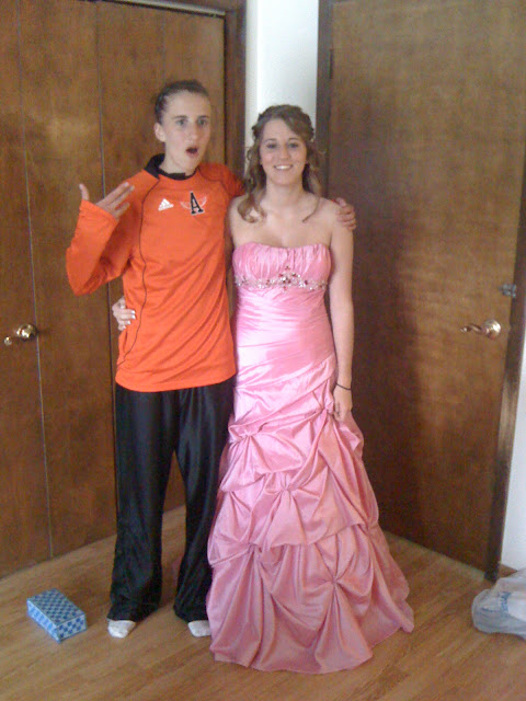 how to flirt with your homecoming date My dd is 17 and has never been asked to a school dance or out on a date old not asked to prom #1 went to some of the homecoming and winter sports.