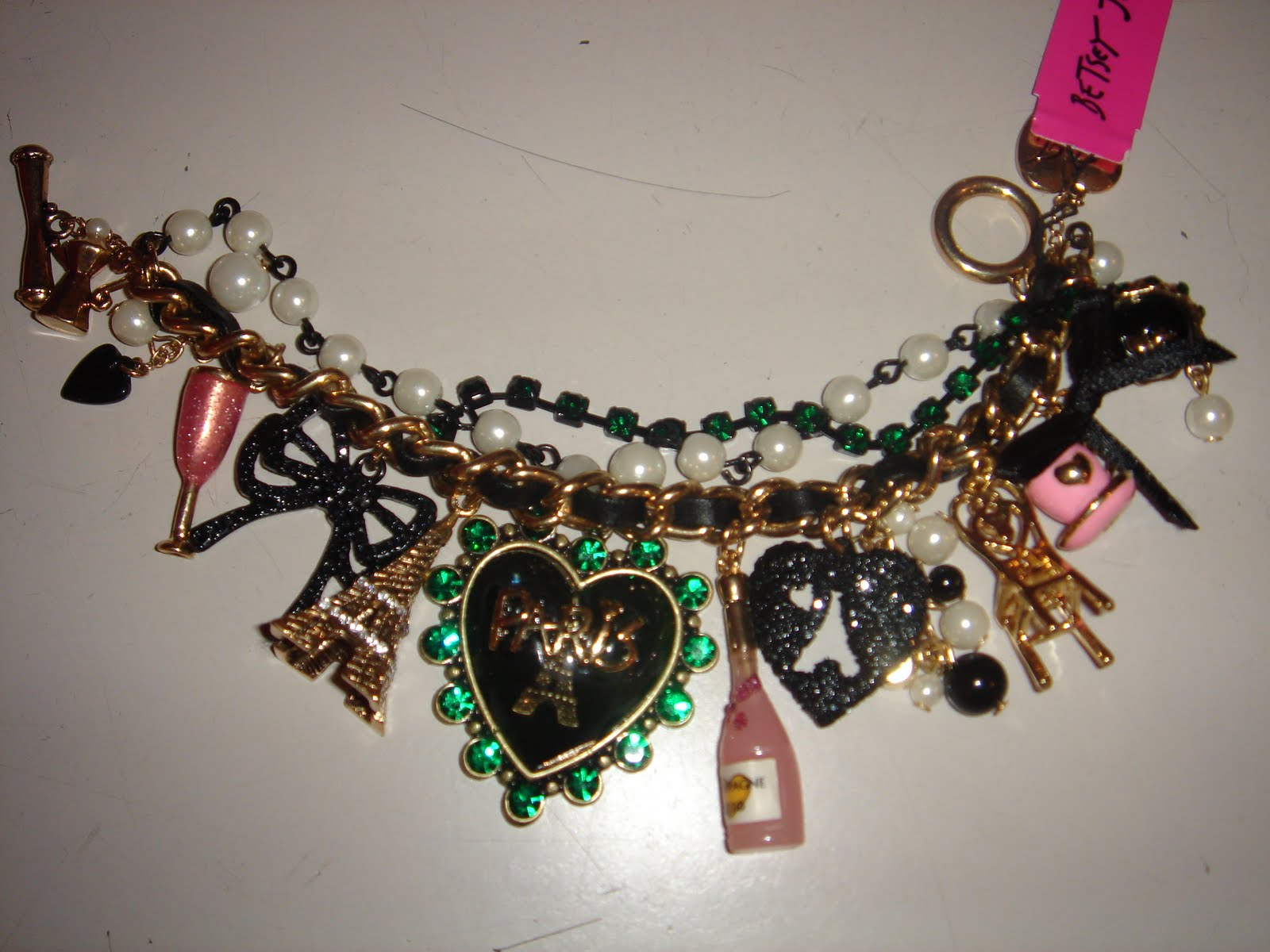 Elly\'s Couture: BETSEY JOHNSON\'S PARIS COLLECTION + ICONIC JEWELRY ...