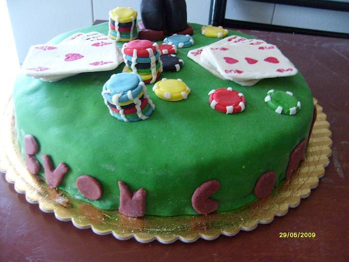 Le creazioni di enza torta tavolo poker for Tavolo poker