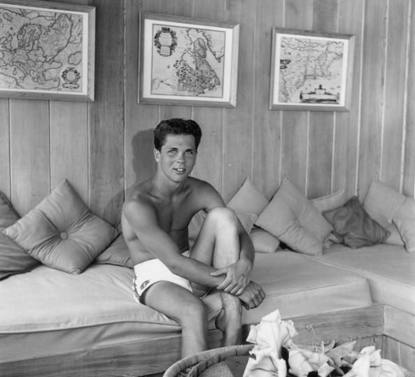 Labels: 1950s, 1960s, hunk, Jeffrey Hunter, Tony Dow