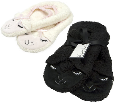 Lambie+Slippers+in+Black+and+White