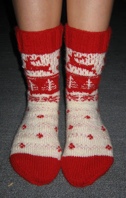chistmas, socks, xmas, reindeers, snow flakes, trees, red, white, knit