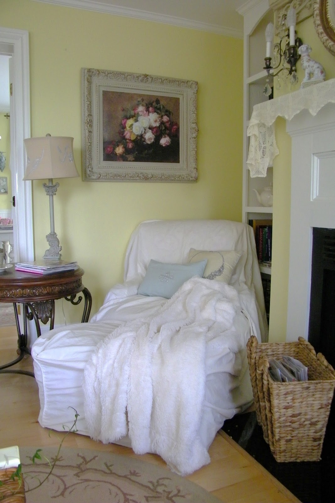 Maison decor romantic seating frenchy style for Maison chic shabby chic