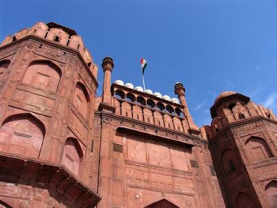 صور جميلة لأماكن فى الهند Old-red-fort-delhi-ind017