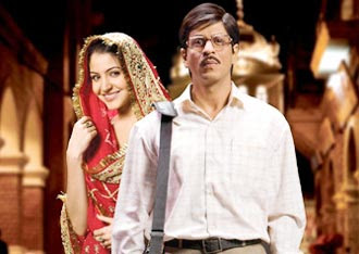Anushka Sharma and Shah Rukh Khan in Rab Ne Bana Di Jodi