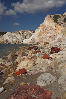 Rock colours, Firaplaka Beach