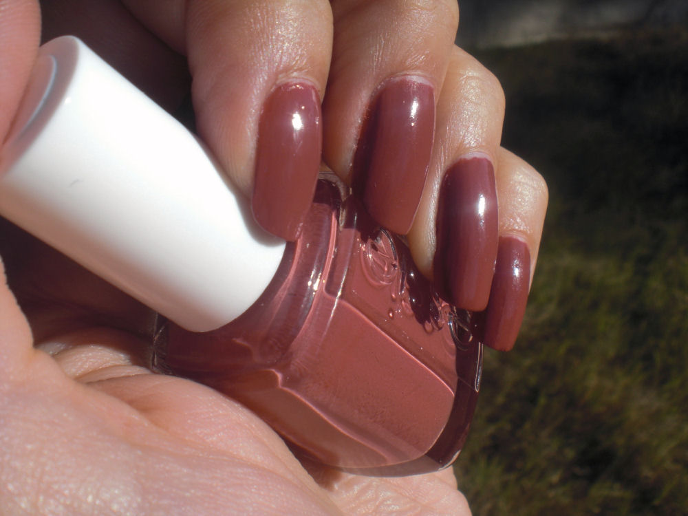 Essie In Sches Smart Nails