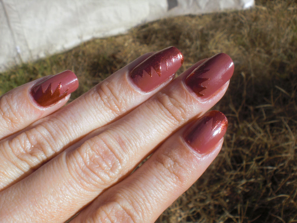 Concrete and Nail Polish: Essie In Stitches & smART Nails