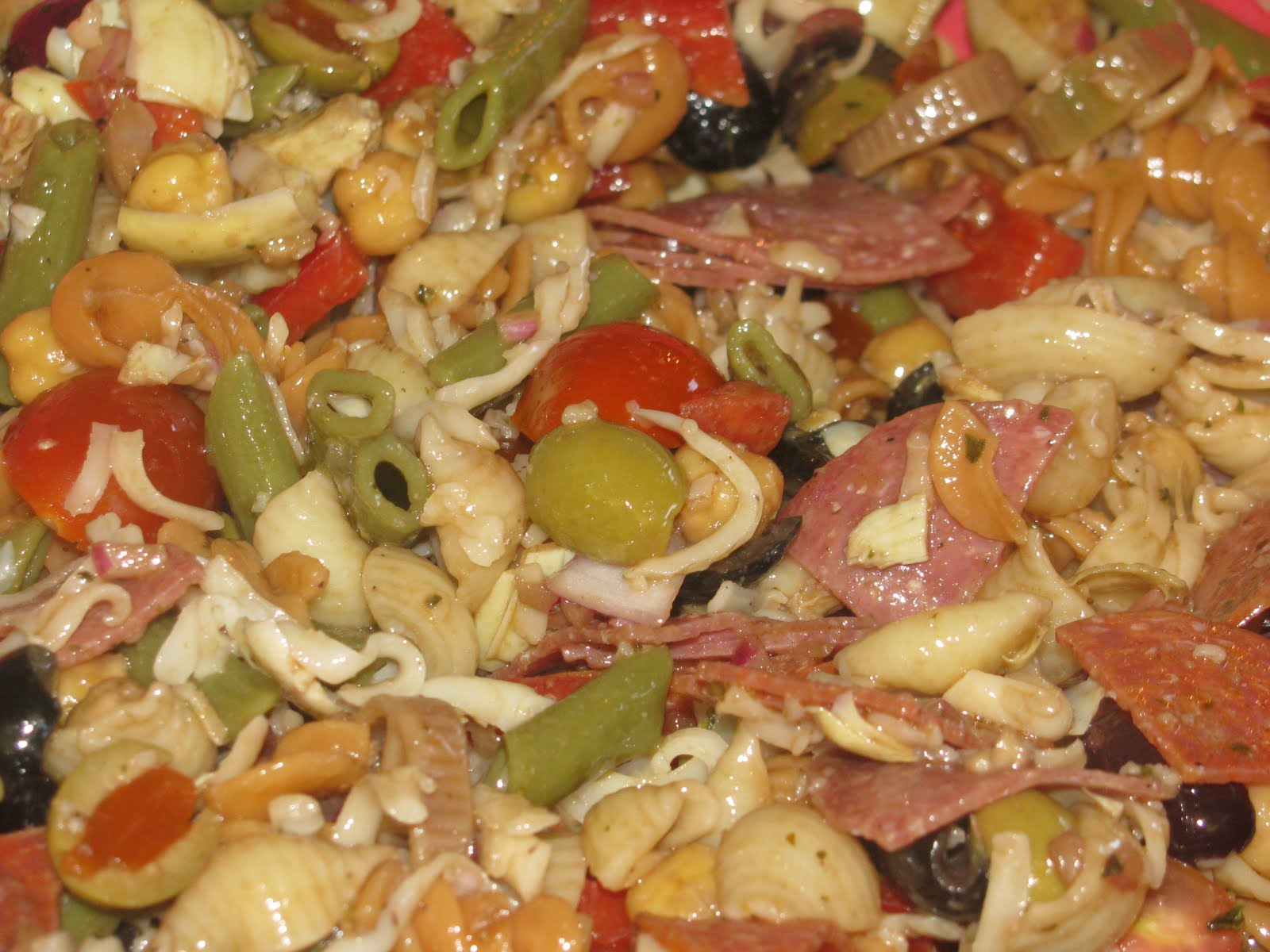 Shamrocks and Shenanigans: Almost the Kitchen Sink- Pizza Pasta!!