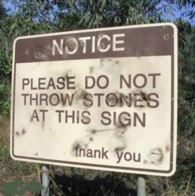 Placas e letreiros com mensagens engracadas... - Página 12 FunnySigns_Stones
