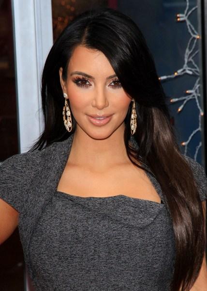 http://4.bp.blogspot.com/_Ca21XCsvg58/TP_b81-DQJI/AAAAAAAACmk/PrrCHwItH1g/s1600/kim-kardashian-hairstyle2.jpg