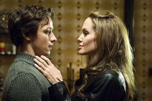 James McAvoy y Angelina Jolie en Wanted. Se busca