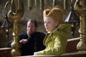 Geoffrey Rush y Cate Blanchett en Elizabeth: la edad de oro