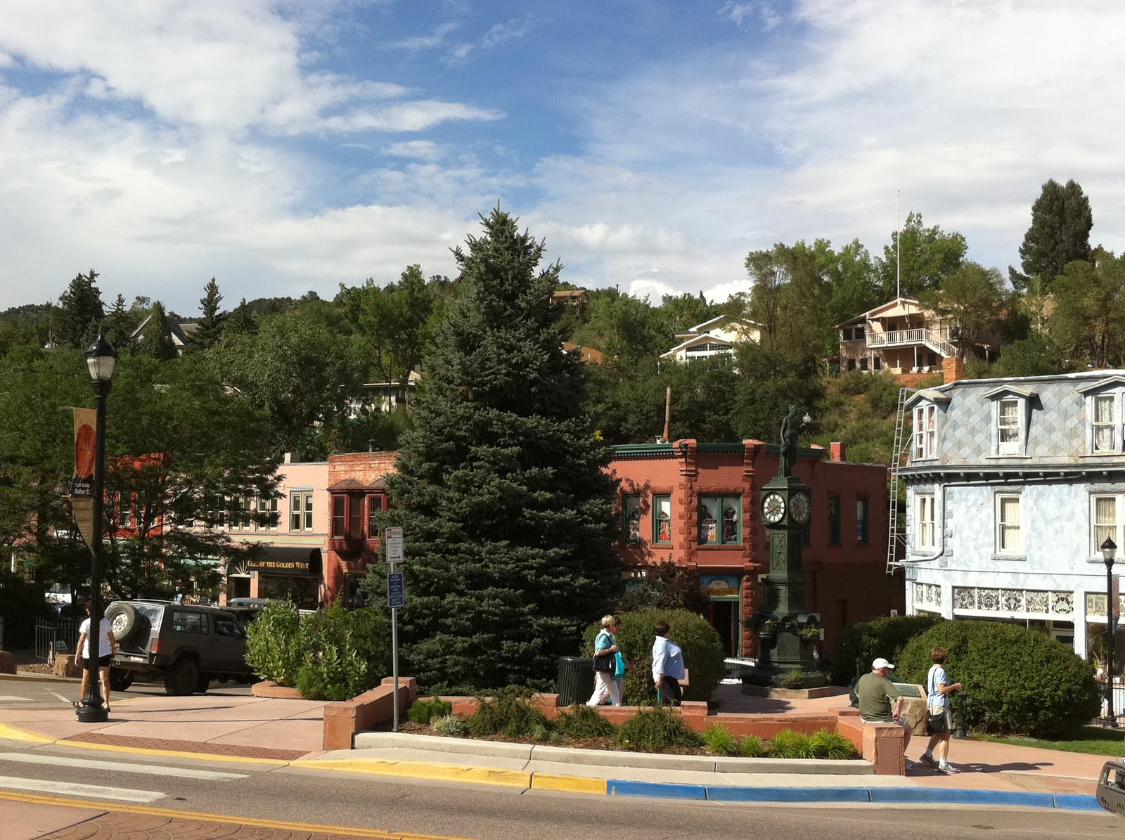 manitou springs Manitou springs is a small resort town just west of colorado springs, colorado manitou springs, south central colorado from mapcarta, the interactive map.