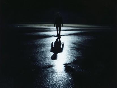 http://4.bp.blogspot.com/_CbHKxiFCcpI/TU6ntHHTnSI/AAAAAAAAAn4/mm2Ahhmw5ik/s1600/darkness.jpg