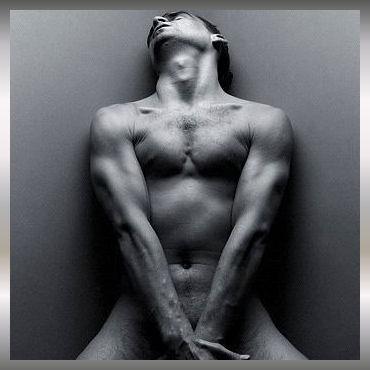hombre+desnudo]