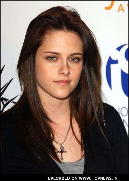 Unique Makeup Style of Kristen Stewart