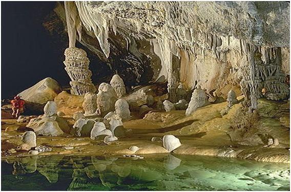 Resultado de imagen de Este lago subterráneo cerca de Macan Ché en la Península de Yucatán es uno de los muchos que se consideran regalos de los dioses Mayas