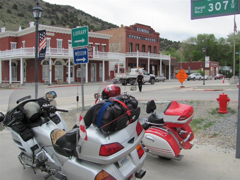 Elko Q 66873 Skid and Sandy On The ...