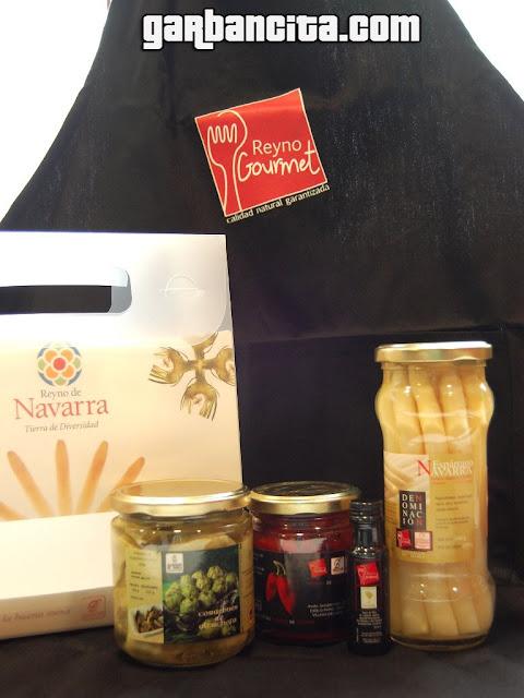 Lote de productos y delantal Reyno Gourmet