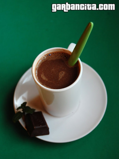 Chocolate caliente con menta