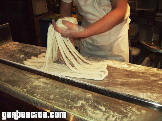 Elaboración artesanal de los tallarines